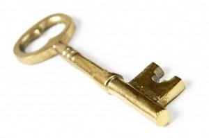 une belle clé dorée